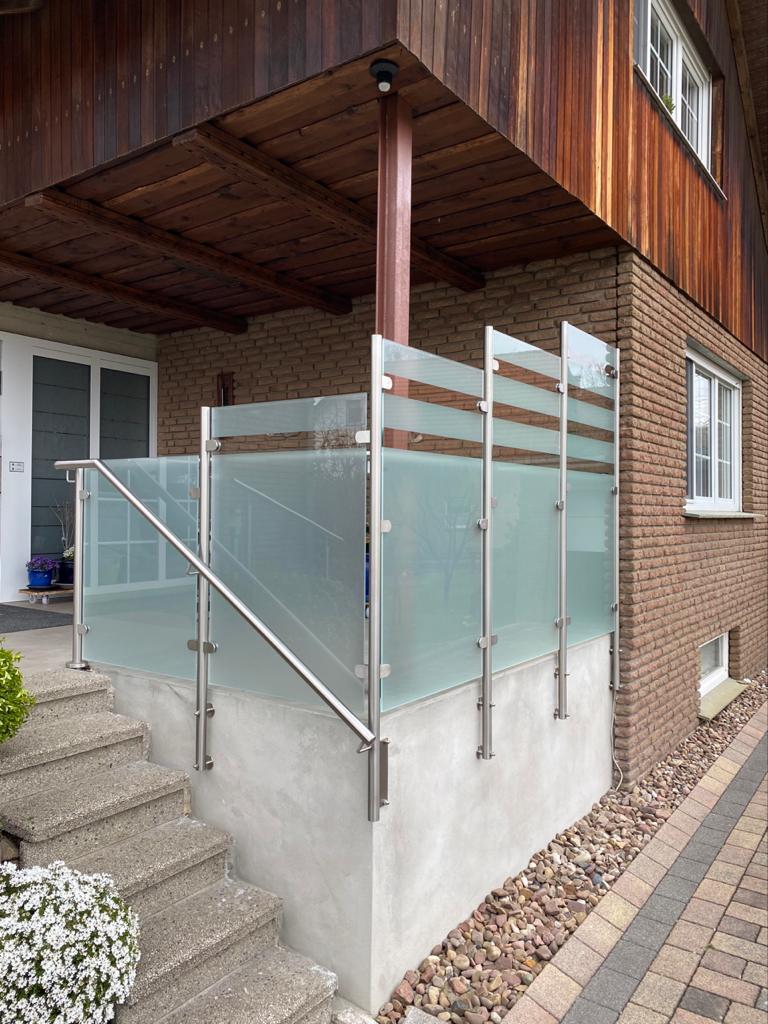 Sichtschutz in Edelstahl - Glas