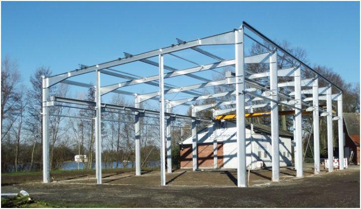 Stahlhallenkonstruktion als Pultdach in feuerverzinkt