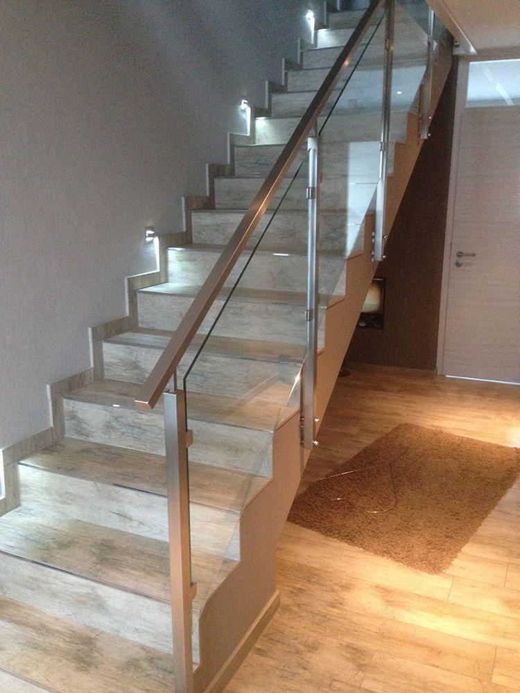 Treppengeländer in Edelstahl, Quadratus - Glas mit klarer Folie-bearbeitet
